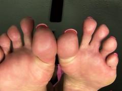 Worship stepmoms feet 720p