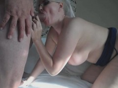 mature-amateur-couple-fucks-on-webcam-hardcore