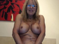 attractive-busty-cammodel-wants-to-taste-your-cum