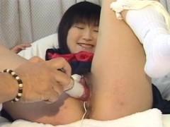 Schoolgirl Yoshizawa Yoshino Gets Her Hairy Pussy Dildoded