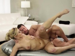 gorgeous-summer-gives-massage-and-fucked