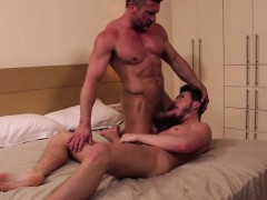 muscle-bottom-anal-sex-and-cumshot