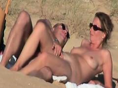 Amateur Couple Fucking On The Beach