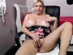 Hot Blonde With Big Boobs Getting Hand Drilled