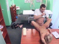 fake-doctor-banging-hot-blonde-patient