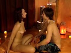 handjob-massage-from-brunette-milf-feels-so-right