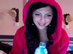 Stunning Girl Toying Both Holes On Webcam
