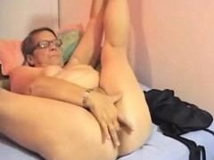 fugly-granny-is-old-and-horny