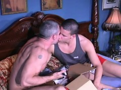 muscled-bears-cock-sucking