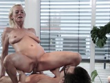 Tiny comes over to Conny Dachs to seek the pleasure she