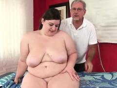 hot-fatty-sapphire-rose-gets-a-sex-massage