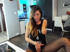 webcam-blowjob-ending-with-facial-on-milf