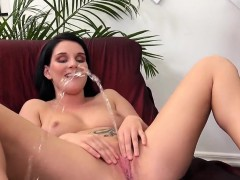 breathtaking-cutie-is-peeing-and-rubbing-shaved-slit94baa