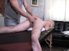 blondie-katti-gold-gets-fingered-by-masseur