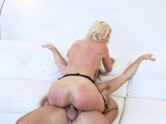 blonde-milf-gigi-allens-gets-cum-in-her-mouth-after-sex