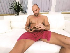 Gay Vr Porn bald Sexy Thomas Masturbates In The Shower