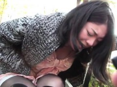 slutty-pair-uses-their-alone-time-in-the-large-outdoors