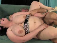 plumper-has-her-flessy-pussy-stuffed