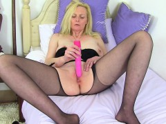 british-blonde-and-busty-milf-fiona-rips-her-tights
