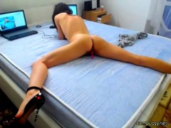 european-horny-babe-squirting-hard-on-webcam