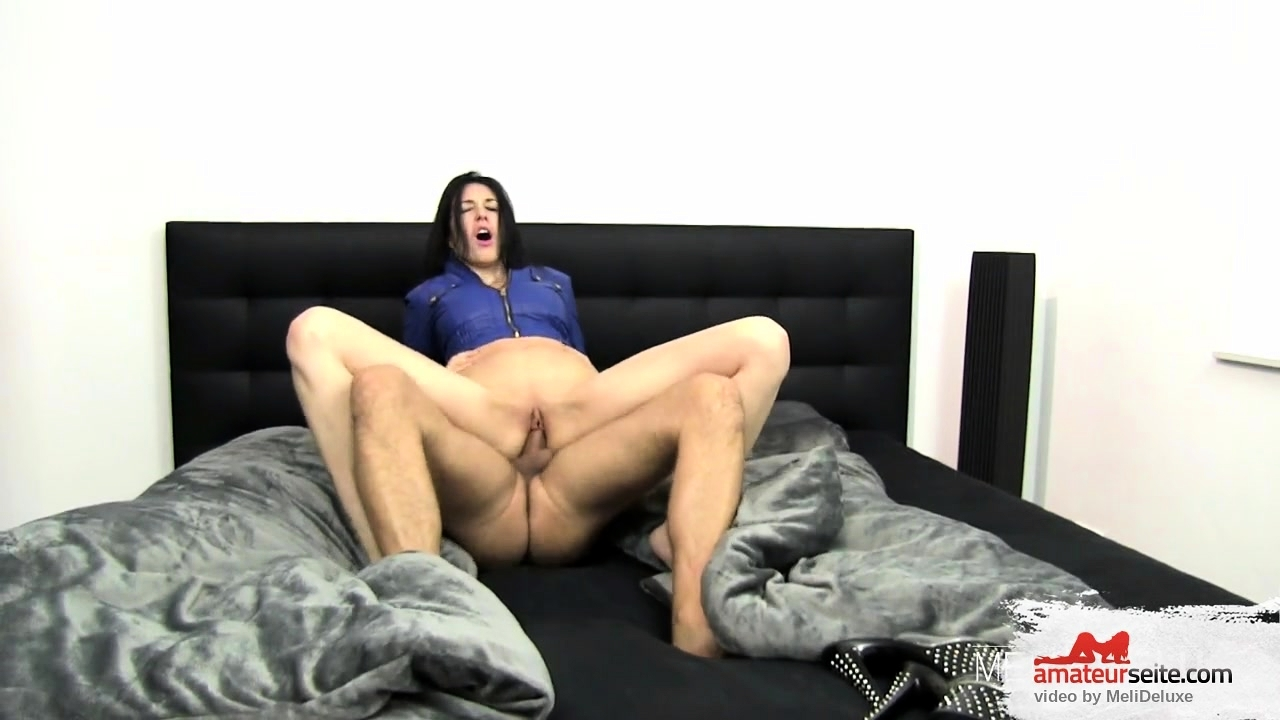 she gets fucked while sleeping