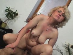 lonely-60-years-old-woman-pleases-a-stranger