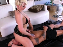 strapon-loving-dominatrix-fucked-in-pussy