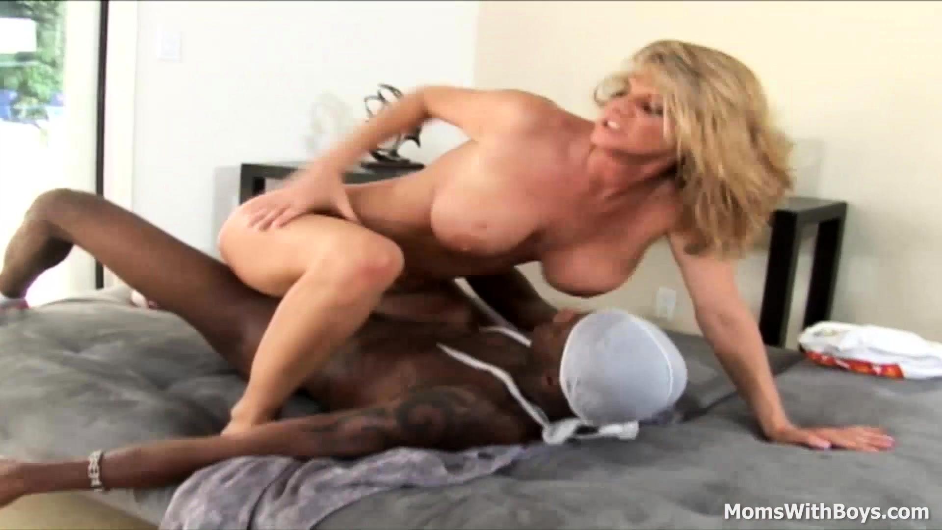 Hot Blonde Milf Fucks Bbc