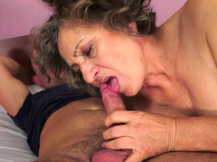 mature-granny-gets-licked