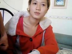 em-gai-dong-nai-an-chuoi
