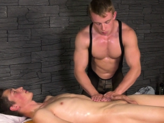 Muscular Masseur Rubbing His Client While He Jerks Off