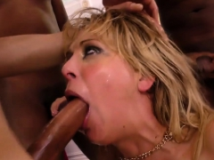 cherie-deville-gives-blowjob-to-a-group-of-black-guy