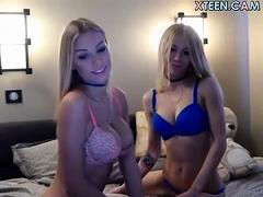 Teen Eyescrystal Flashing Boobs On Live Webcam