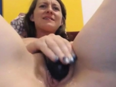 slut masturbates wet tight pussy on webcam