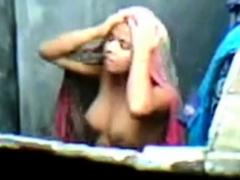 barishal-girl-bathing-after-masturbation