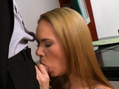 cocksucking babe gets double fucked