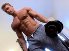 stud-lifting-weights-and-masturbates