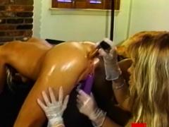 sweet dyke babes strapon banging in luscious threesome