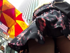 Voyeur Catches Upskirt Pics Of A Very Sexy Ass