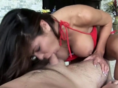 stunning-cougar-giving-a-bj-in-pov-clip
