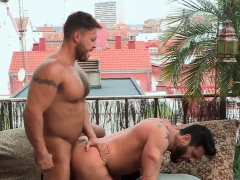 brawny-hunk-rides-cock