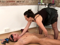 lingerie-domina-pegging-submissive-slave