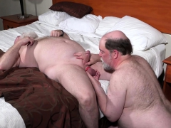 daddy-bears-like-to-eat-cum