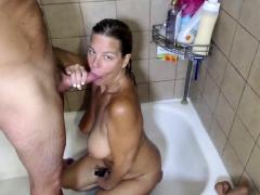 Hot Milf Gives Blowjob To Big Cock