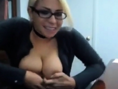 Cute Blonde Amateur Unleashes Her Big Bouncing Boobs And