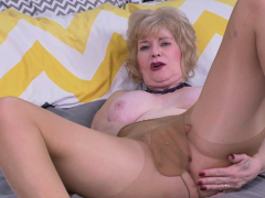 usa gilf justine gives her hairy muffin a treat