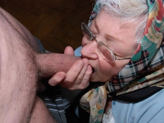 omahotel-this-granny-pictures-are-sick