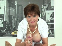 Unfaithful Uk Milf Lady Sonia Exposes Her Massive Boo37bpt