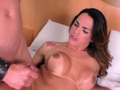 Shemale Babe Gets Tugged