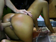 amateur-tight-ass-brunette-gets-fucking-doggystyle-on-webcam
